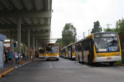 Casa a Venda Prox Terminal Ae Carvalho
